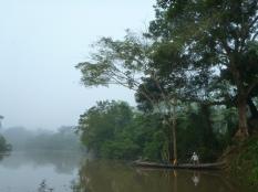 Fishing at dawn in the river Loretoyacu - Zona II - San Juan del Socó